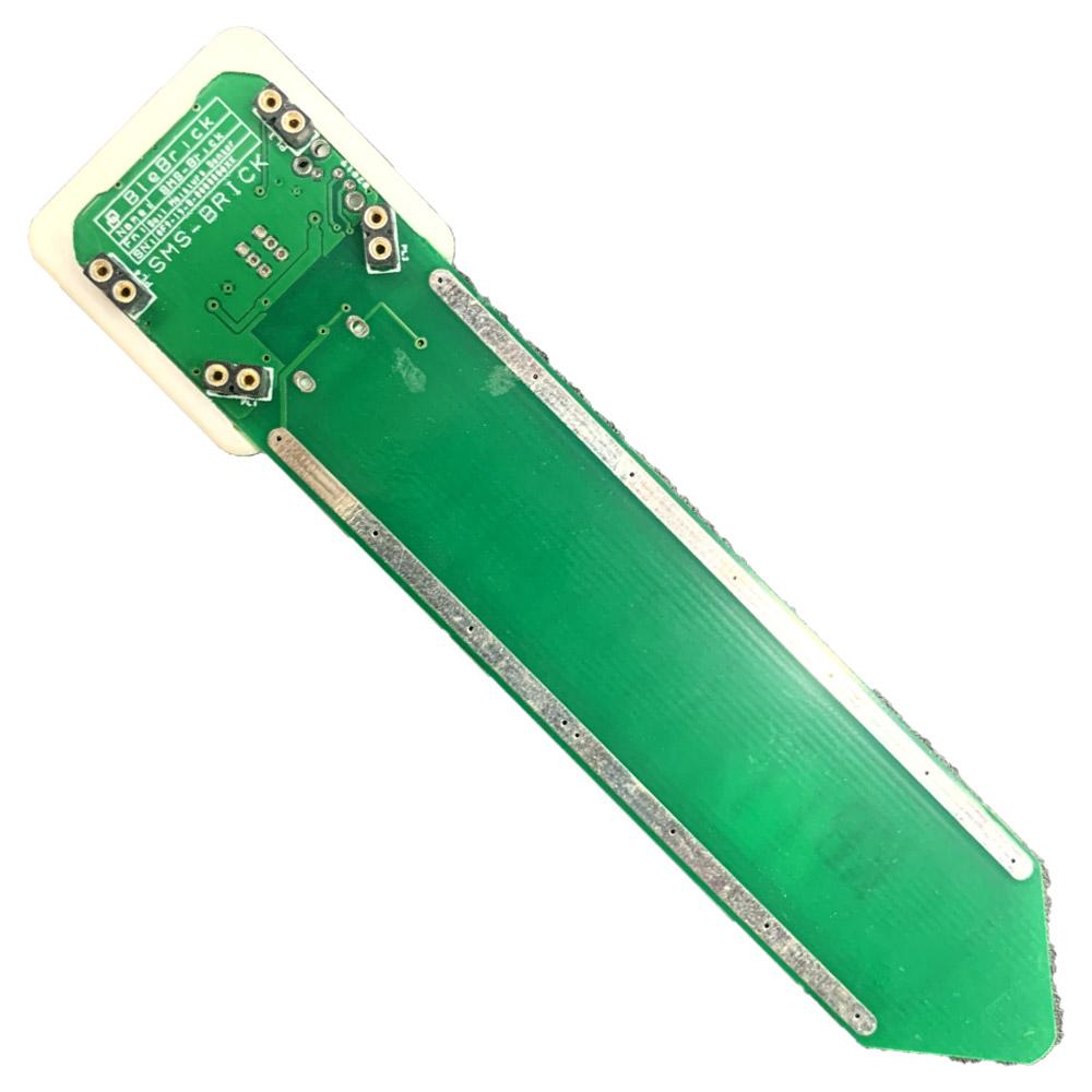 Il sensore Blebrick SMS viene utilizzato per misurare l'umidità del terreno e può essere configurato per misurare la resistenza del terreno, la mutua capacità tra gli elettrodi e la capacità assoluta rispetto a GND